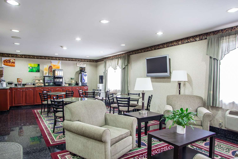 Lobby - Quality Inn East Windsor