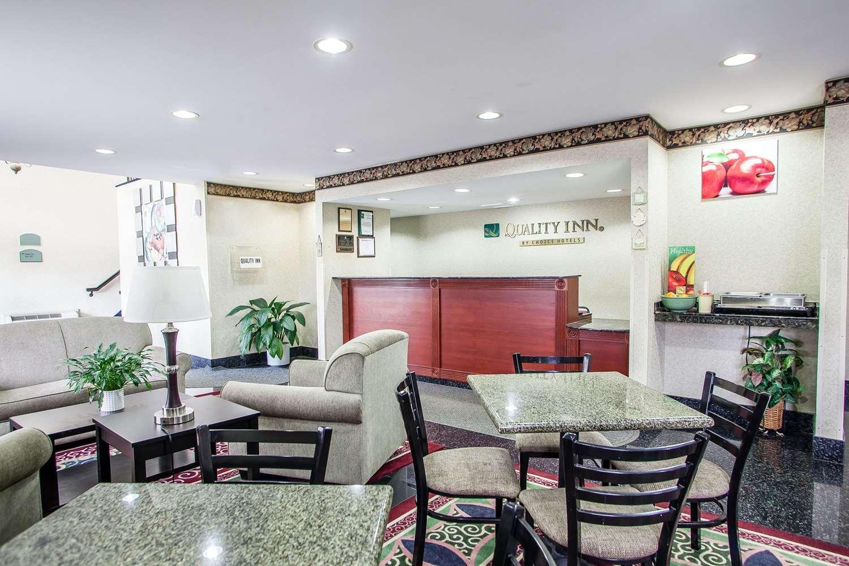 Restaurant - Quality Inn East Windsor