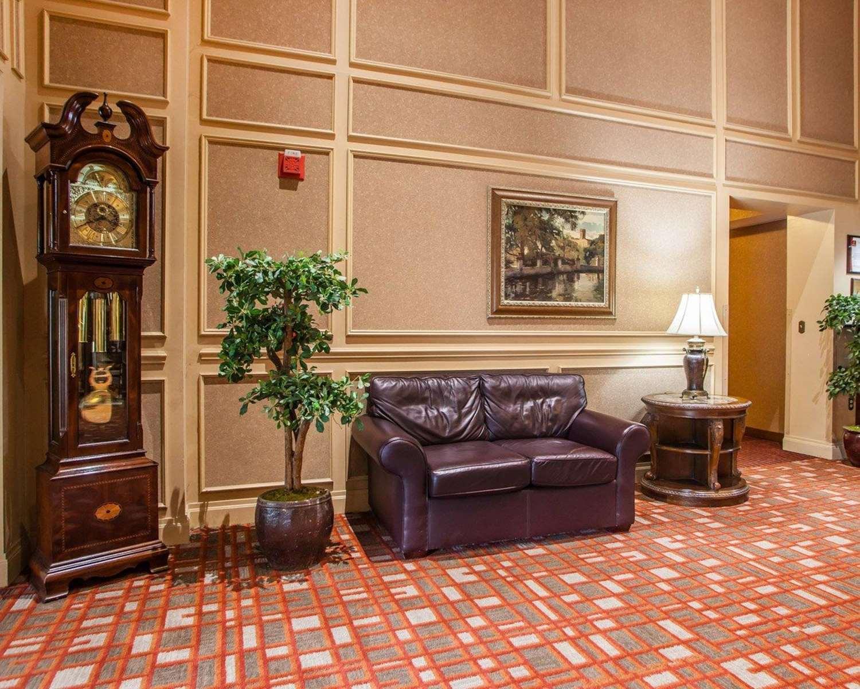 Lobby - Clarion Hotel Palmer Inn Princeton