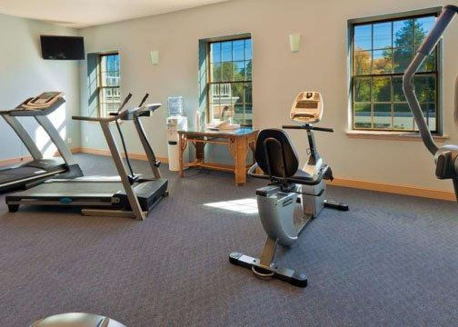 Fitness/ Exercise Room - Clarion Hotel Palmer Inn Princeton
