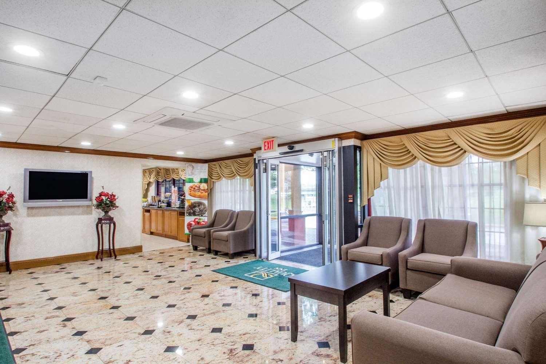 Lobby - Quality Inn Lawrenceville