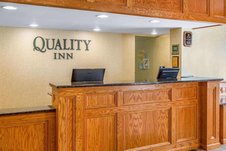 Lobby - Quality Inn Ledgewood
