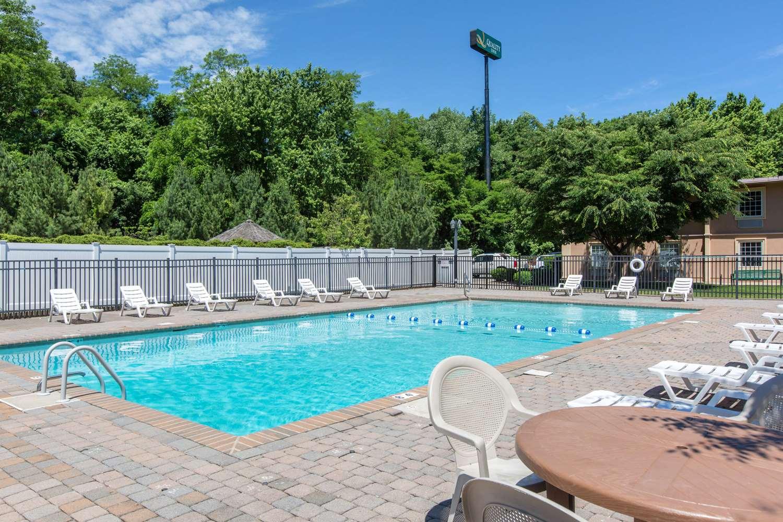 Pool - Quality Inn Ledgewood