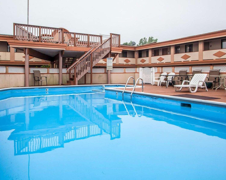 Pool - Rodeway Inn Point Pleasant