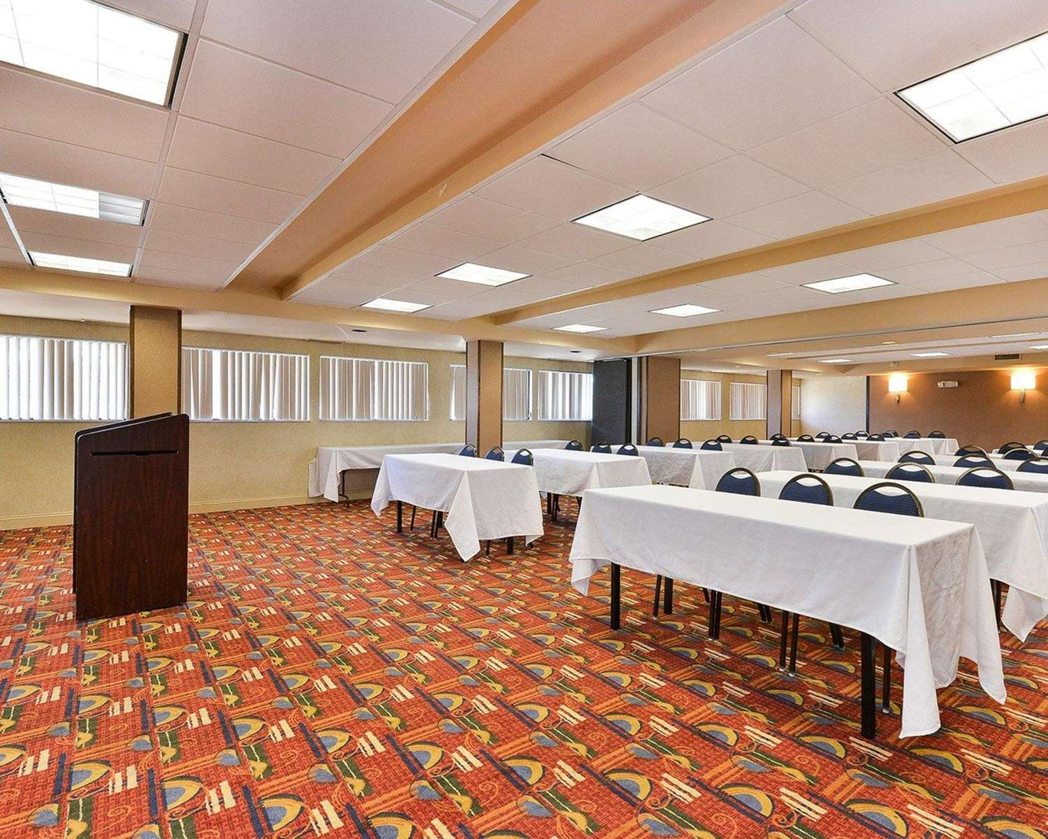 Meeting Facilities - Quality Suites Tinton Falls