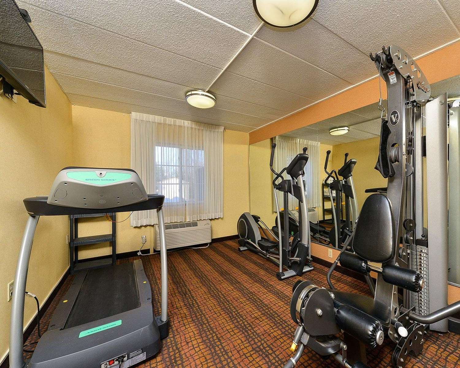 Fitness/ Exercise Room - Quality Suites Tinton Falls