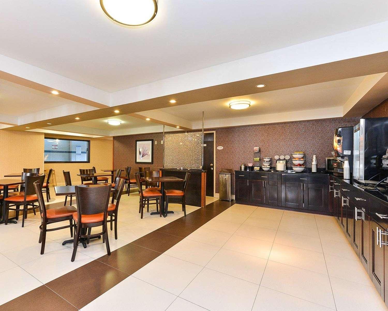 Restaurant - Quality Suites Tinton Falls
