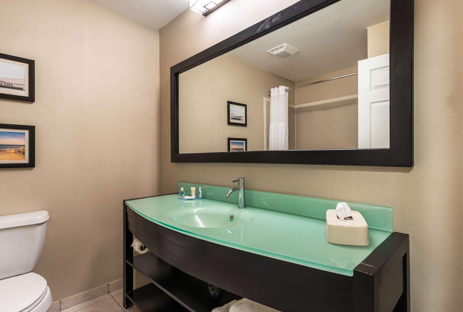Room - Comfort Suites Galloway