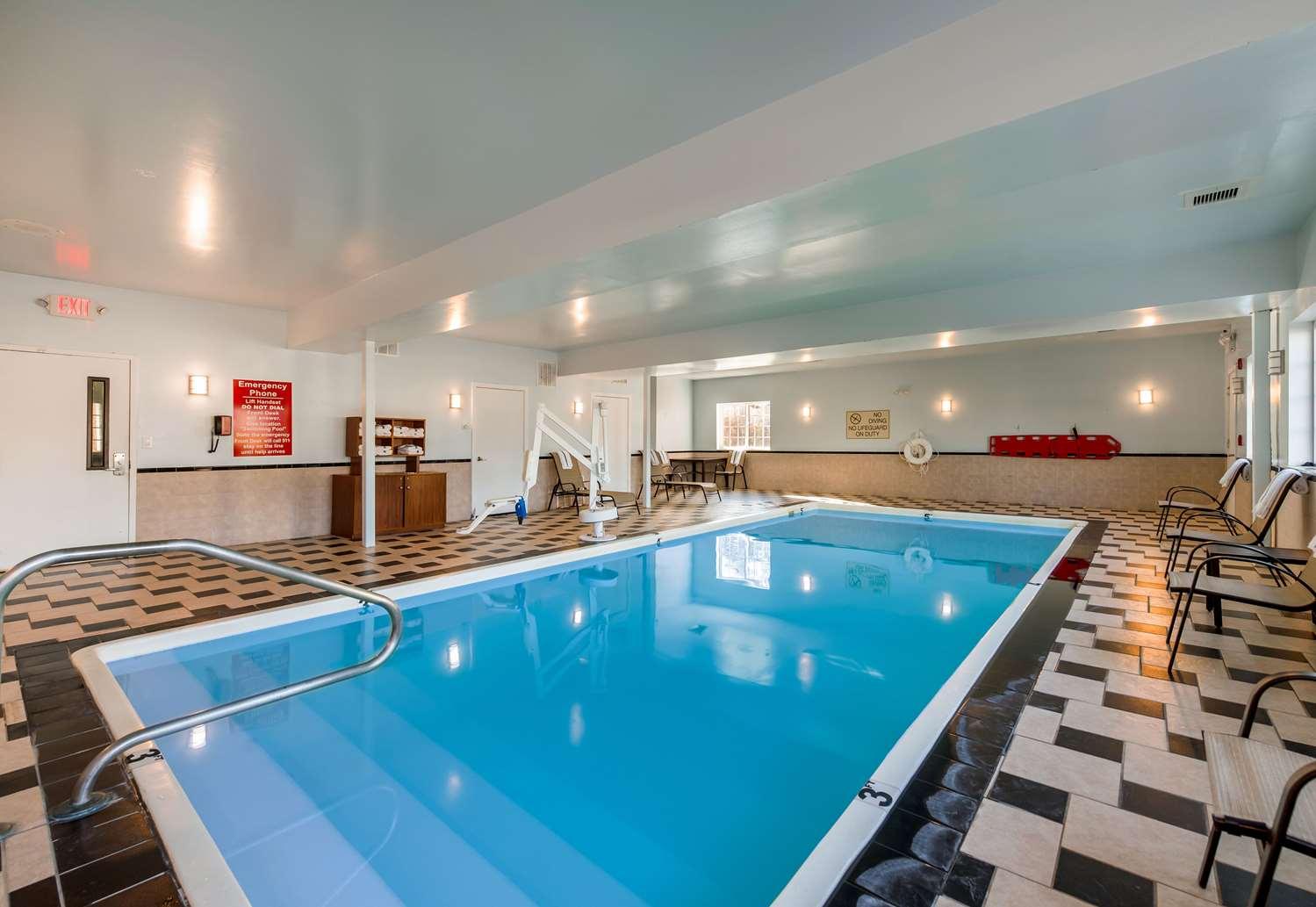 Pool - Comfort Suites Galloway
