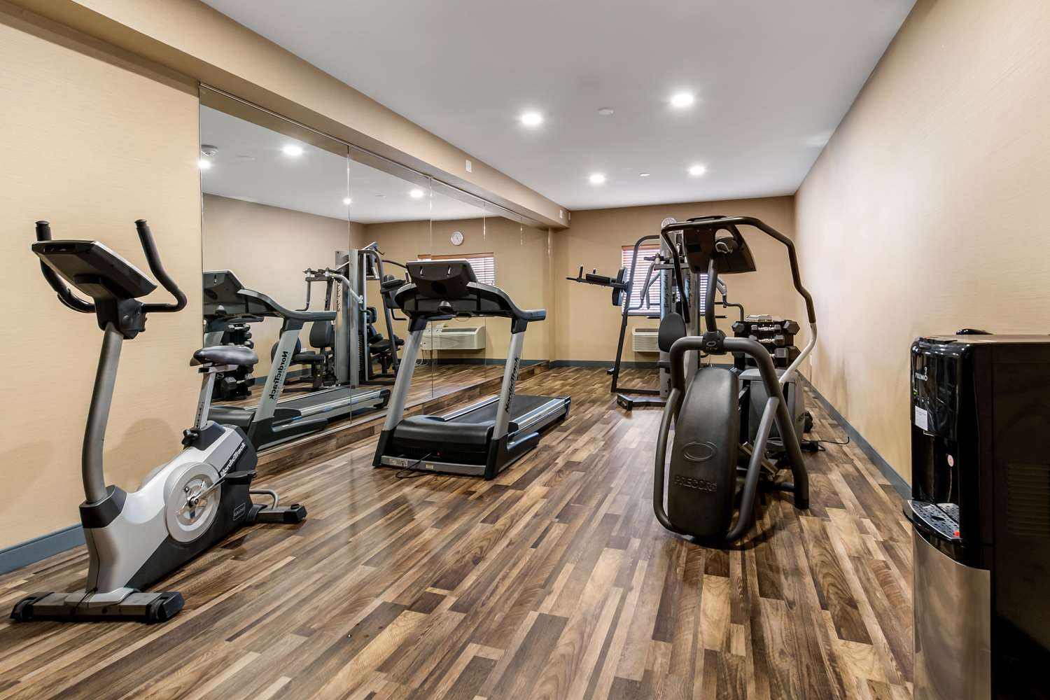 Fitness/ Exercise Room - Comfort Suites Galloway