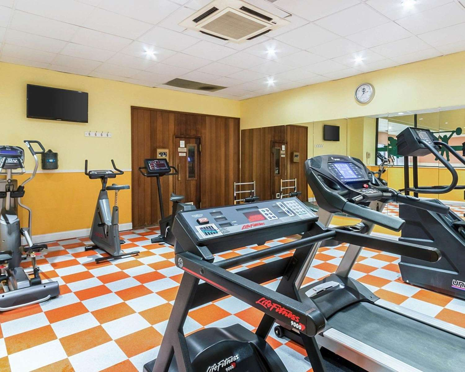 Fitness/ Exercise Room - Clarion Hotel Somerset