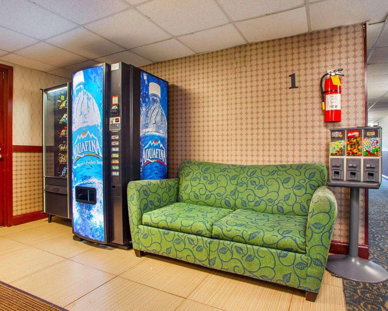 Lobby - Rodeway Inn Secaucus
