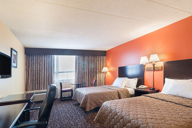 Room - Rodeway Inn Secaucus