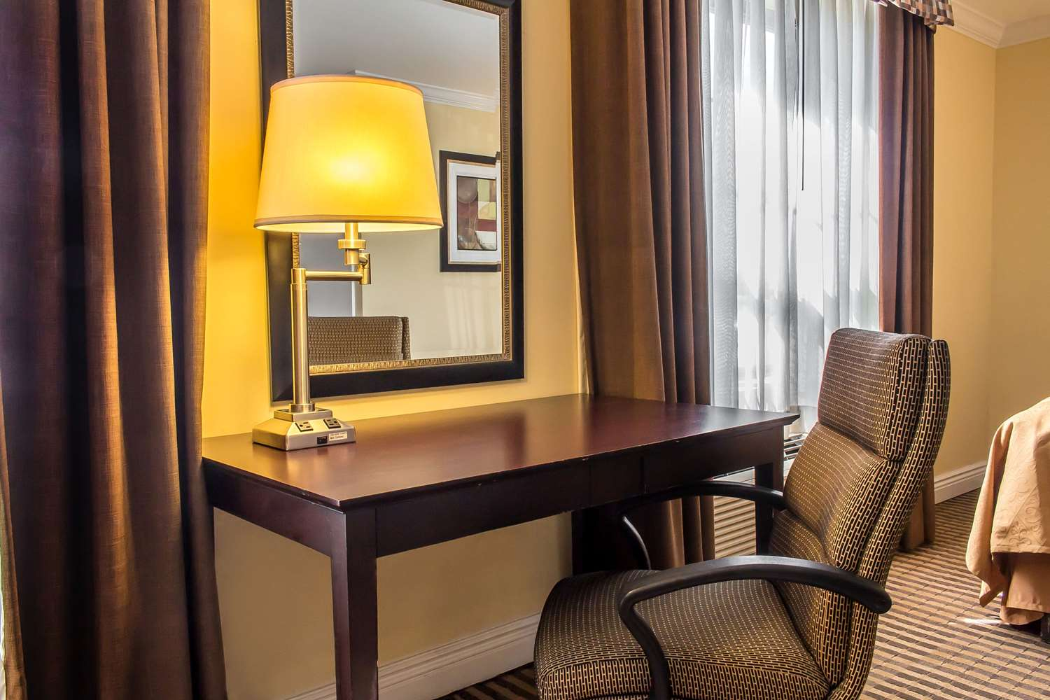 Suite - Quality Inn McAfee