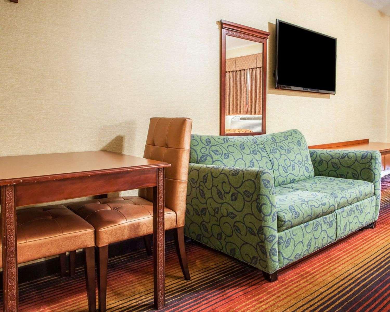 Room - Rodeway Inn Jersey City
