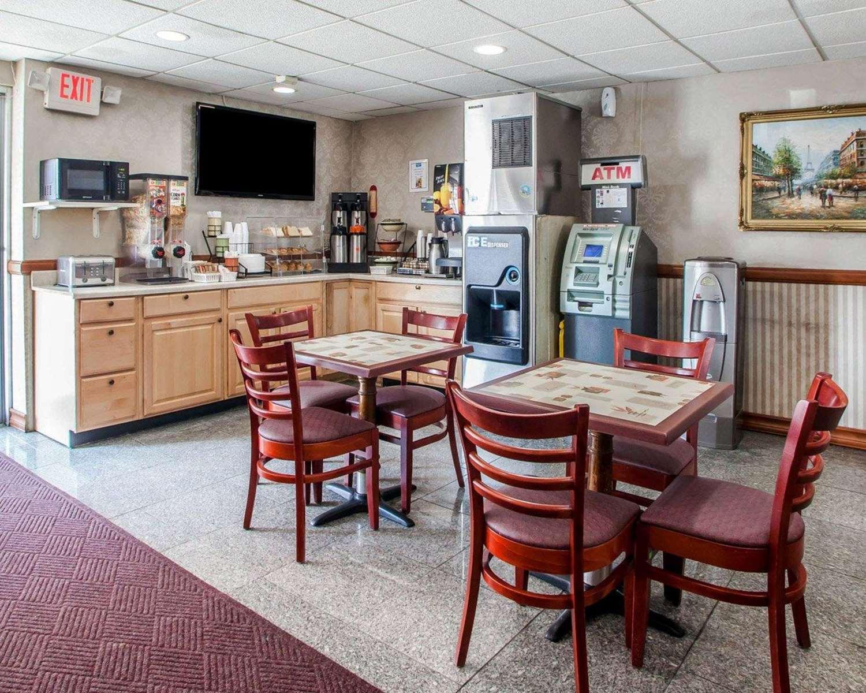 Restaurant - Rodeway Inn Jersey City