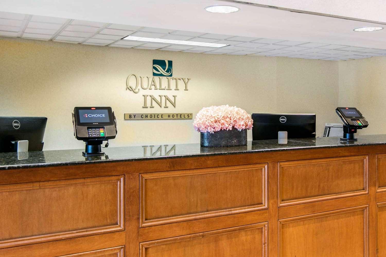 Lobby - Quality Inn Edison