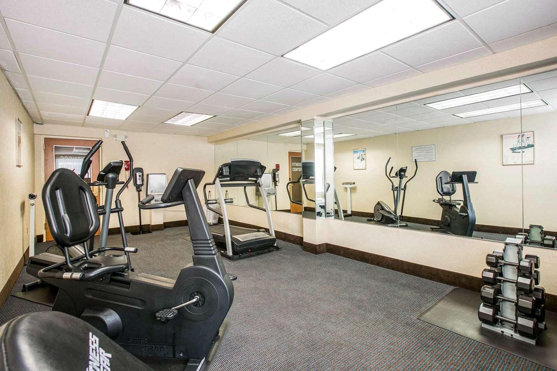 Fitness/ Exercise Room - Quality Inn Edison
