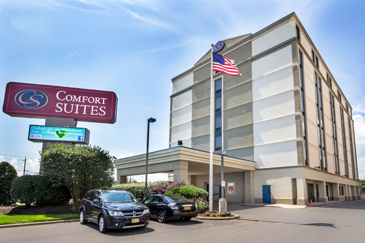 Exterior view - Comfort Suites at Woodbridge Avenel