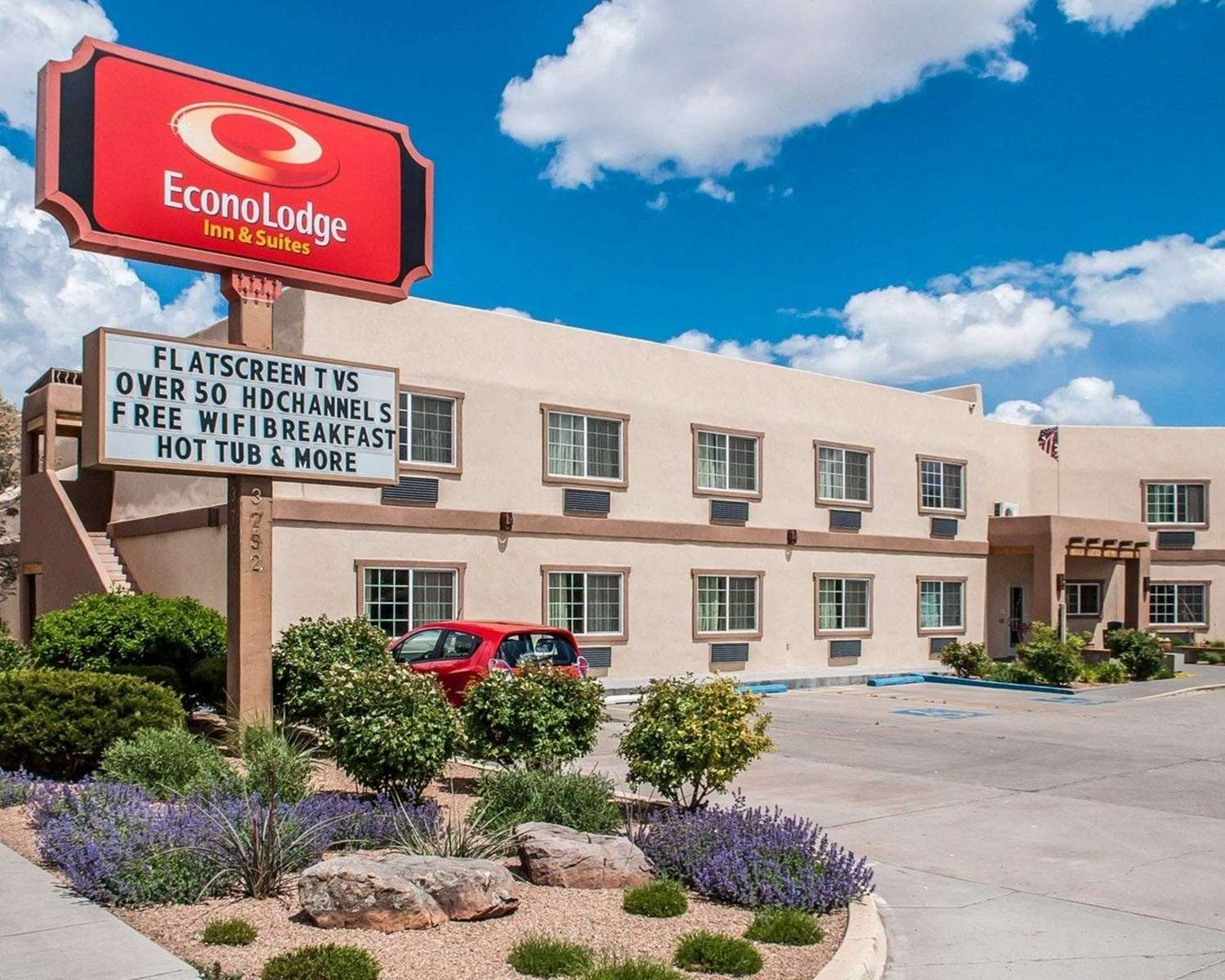 Exterior view - Econo Lodge Inn & Suites Santa Fe
