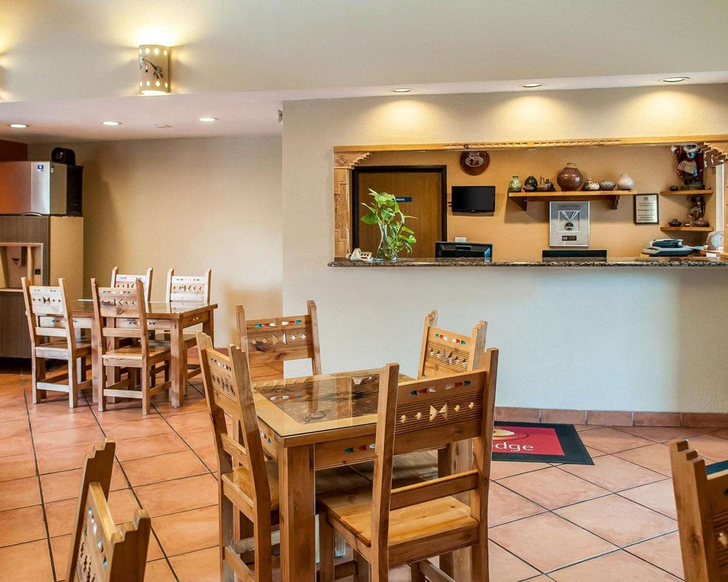 Lobby - Econo Lodge Inn & Suites Santa Fe