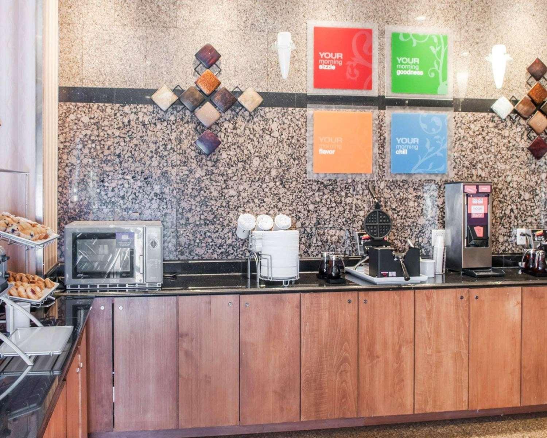 Restaurant - Comfort Suites Roswell