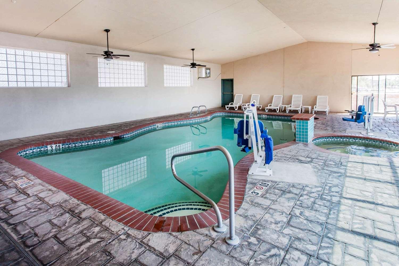 Pool - Comfort Inn Fallon