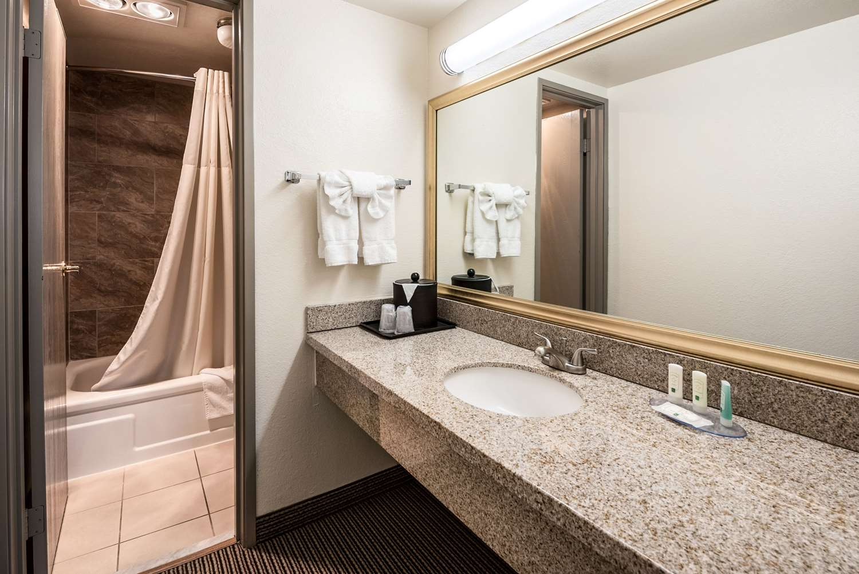 Suite - Quality Inn & Suites Reno