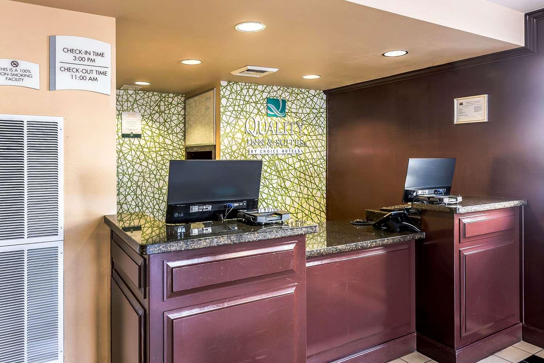 Lobby - Quality Inn & Suites Reno