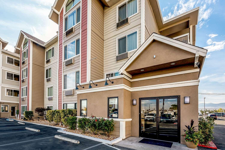 Exterior view - Quality Inn & Suites Reno