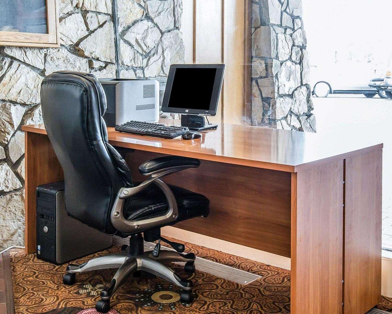 Conference Area - Econo Lodge Reno