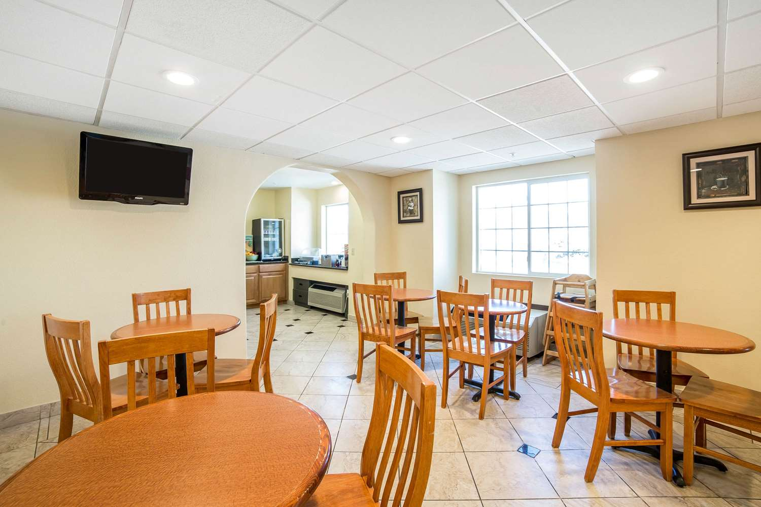 Restaurant - Quality Inn & Suites Elko