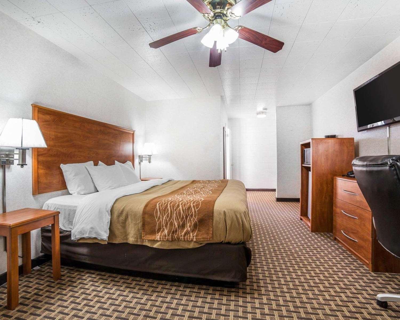 Room - Rodeway Inn Elko