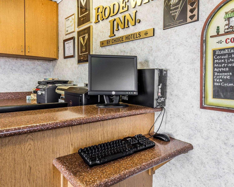 Conference Area - Rodeway Inn Elko
