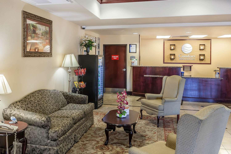 Lobby - Comfort Inn Airport Reno