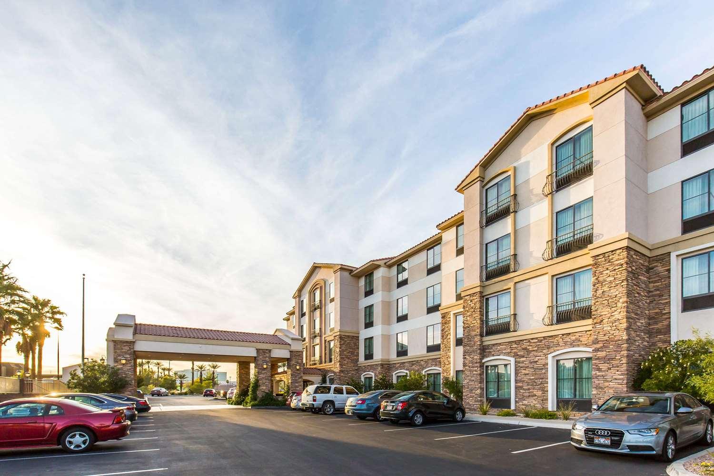 Exterior view - Comfort Inn & Suites Henderson