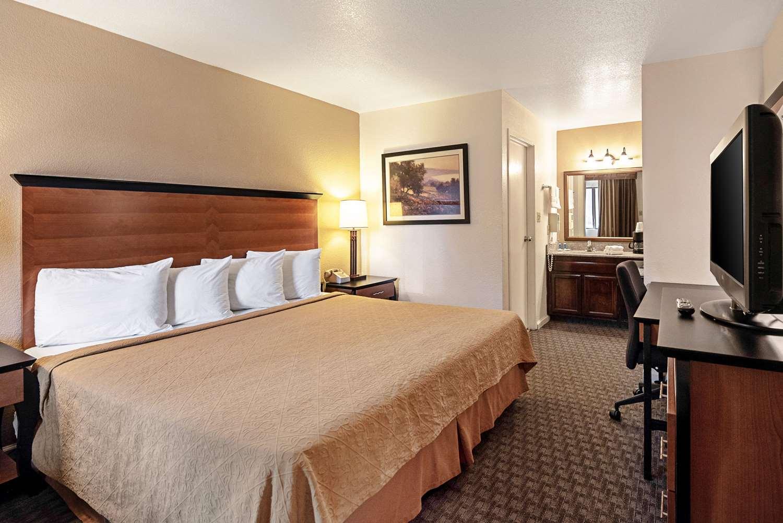 Room - Rodeway Inn at Nevada State Capital Carson City