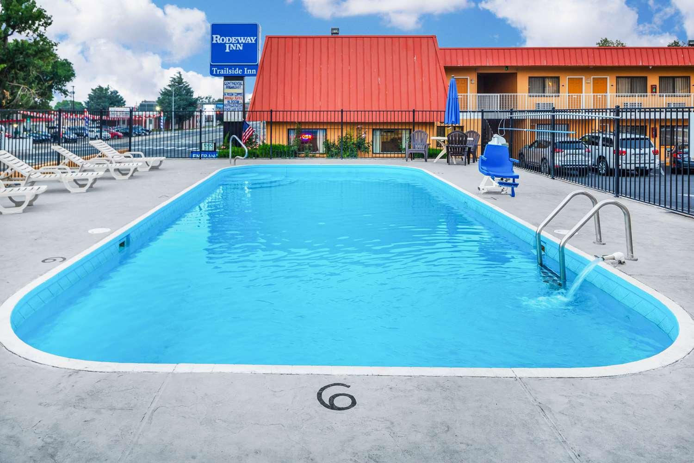 Pool - Rodeway Inn at Nevada State Capital Carson City