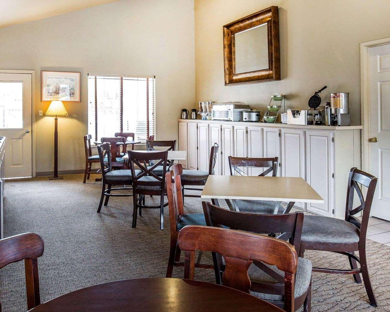 Restaurant - Quality Inn & Suites Minden
