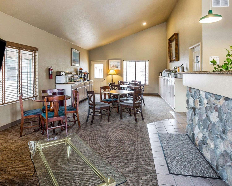 Lobby - Quality Inn & Suites Minden