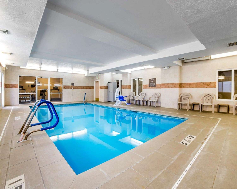 Pool - Comfort Inn Elko