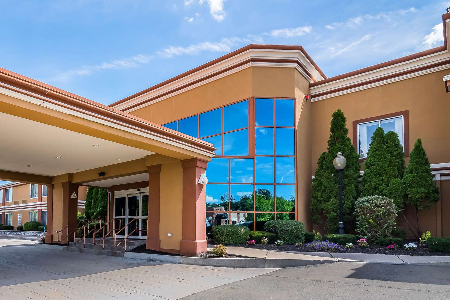 Exterior view - Quality Inn & Suites Albany Airport Latham