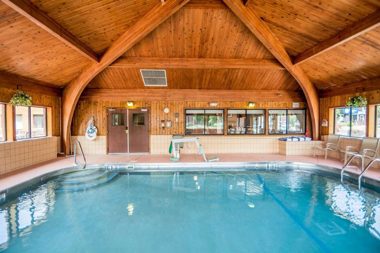 Pool - Comfort Inn Corning