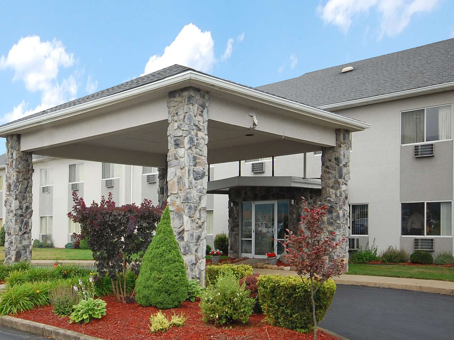 Exterior view - Econo Lodge Painted Post