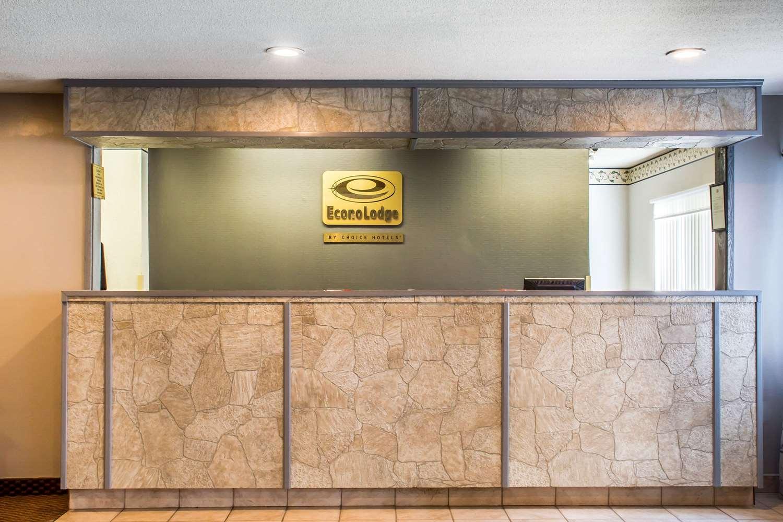 Lobby - Econo Lodge Painted Post