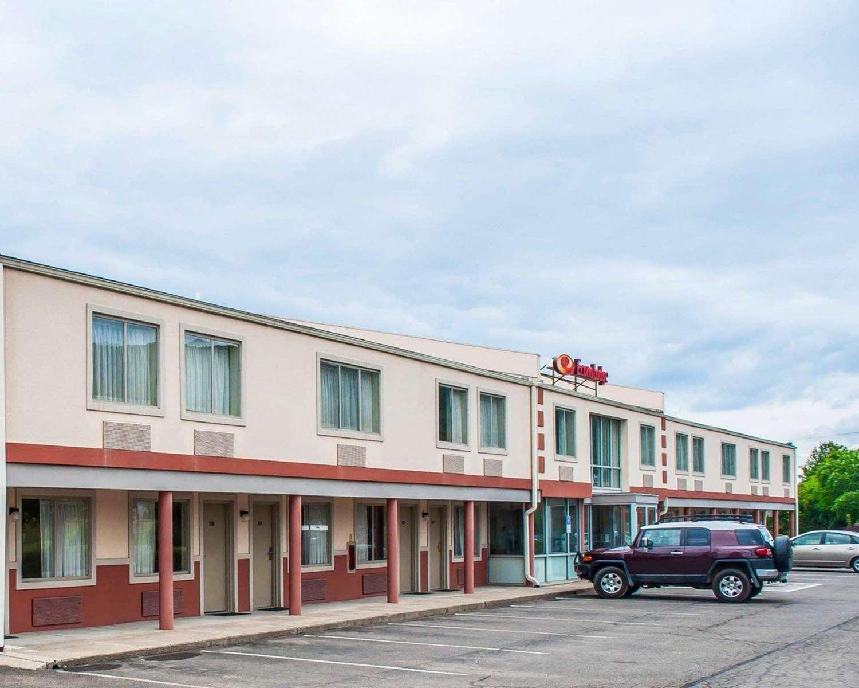 Exterior view - Econo Lodge Elmira