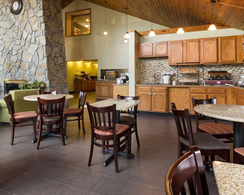 Restaurant - Comfort Inn Carrier Circle Syracuse