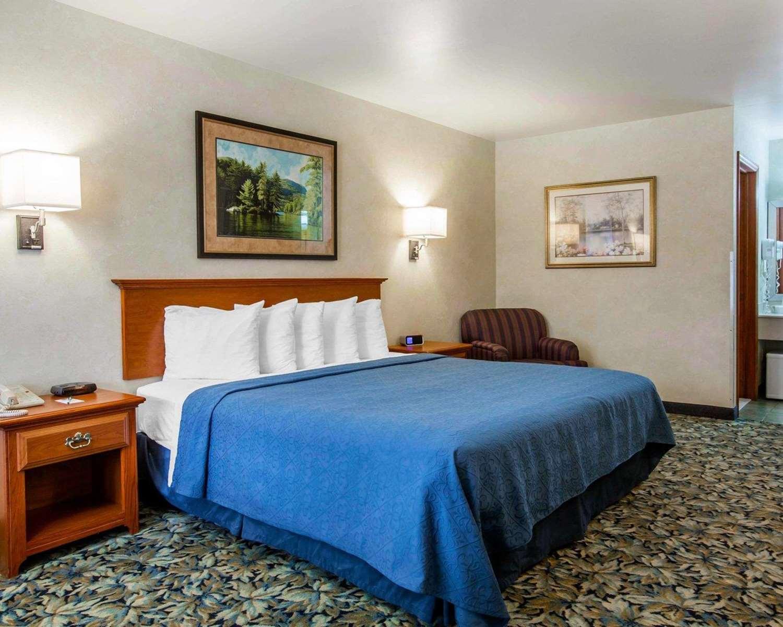 Room - Quality Inn Lake George