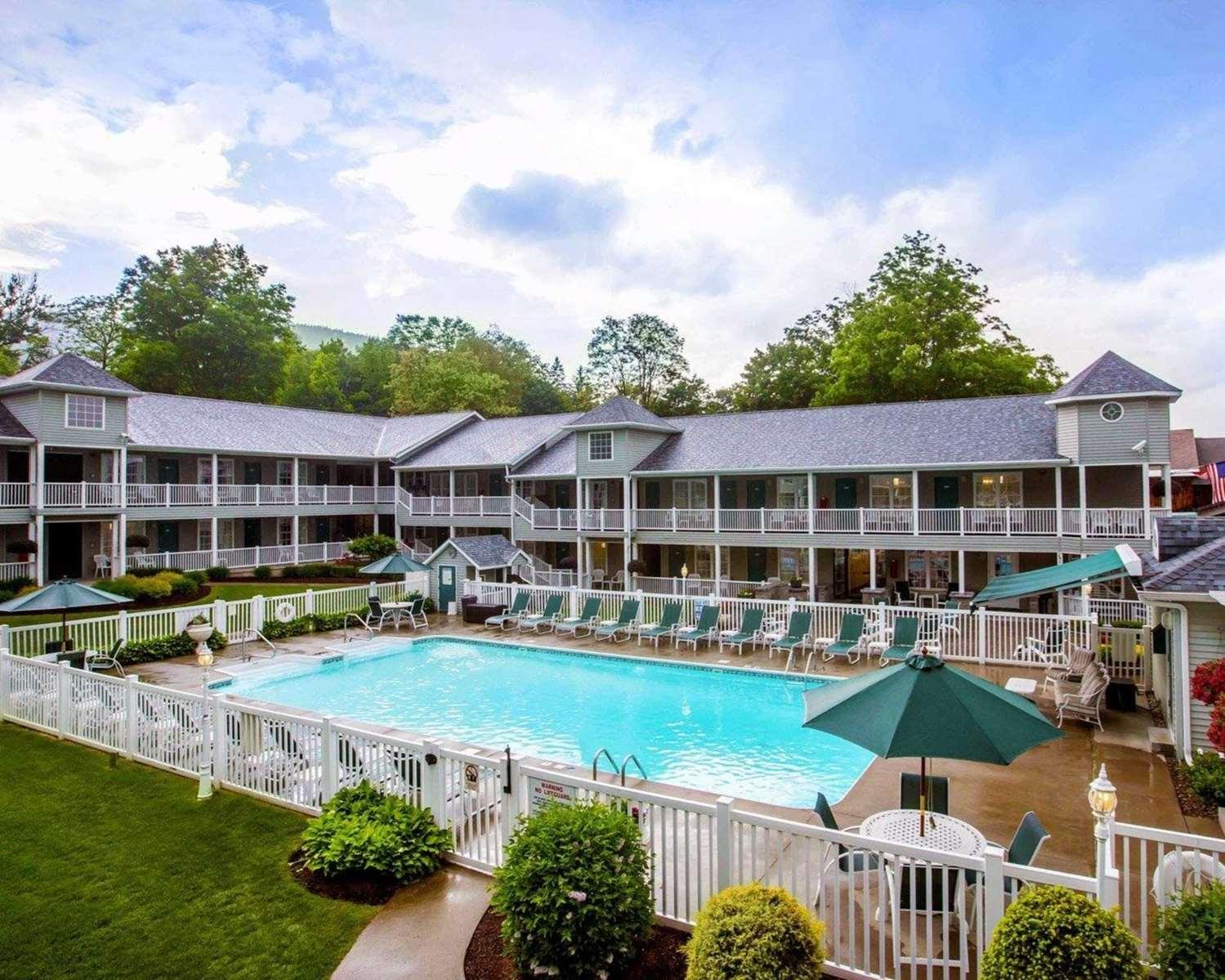 Pool - Quality Inn Lake George