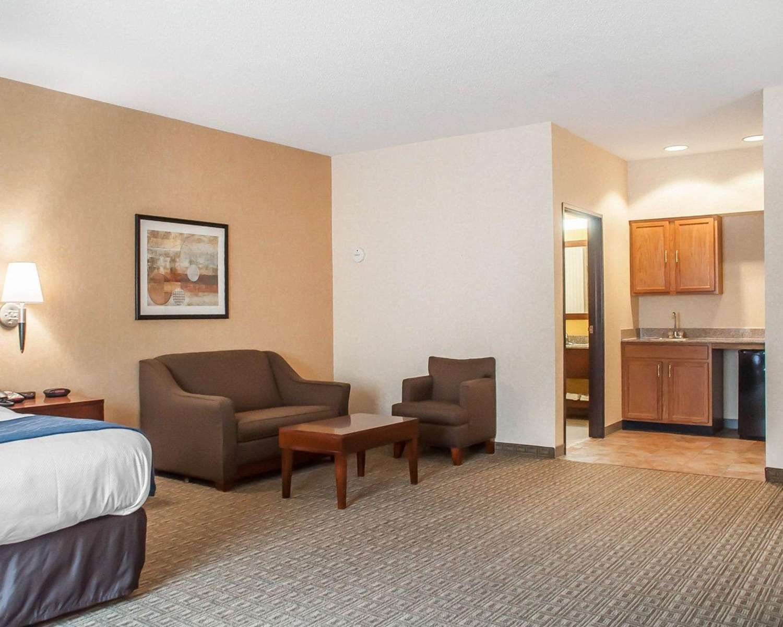 Comfort Inn Hamburg, NY - See Discounts